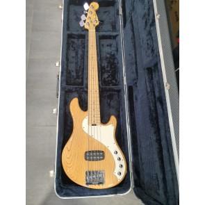 Fender Deluxe Dimension V bass- IZLOŽBENI PRIMJERAK