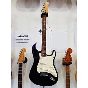 "FENDER 2002 Stratocaster Black"" s Koferom IZLOŽBENI PRIMJERAK B LAGER"